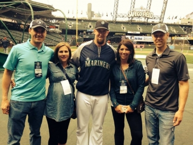 On field with the Mariners